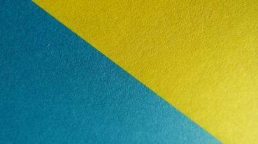 blaues und gelbes Dreieck